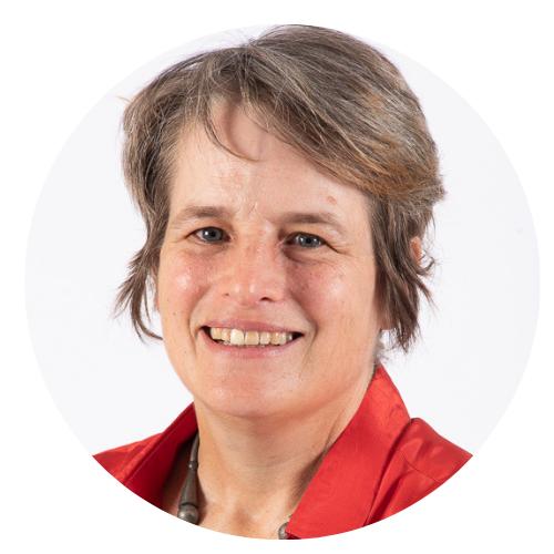 Alette Schoon (Host)